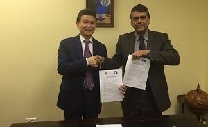 Acuerdo entre la FIDE y la FEDA para impulsar el ajedrez en los colegios