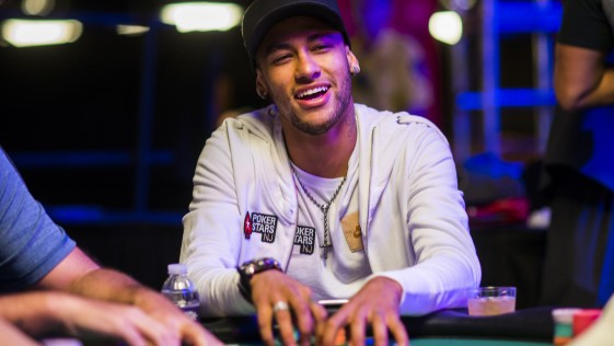 Neymar la lía en las Series Mundiales de Póker