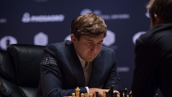 Carlsen llega más confiado a la última partida del Mundial