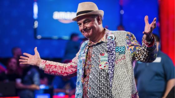El abuelo John Hesp se despierta millonario del sueño americano de las WSOP