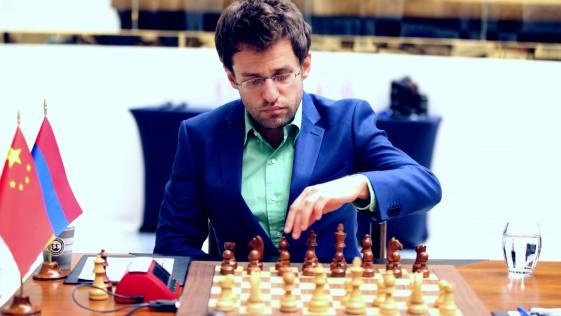 Copa del Mundo: Aronian perdona la vida a Ding Liren