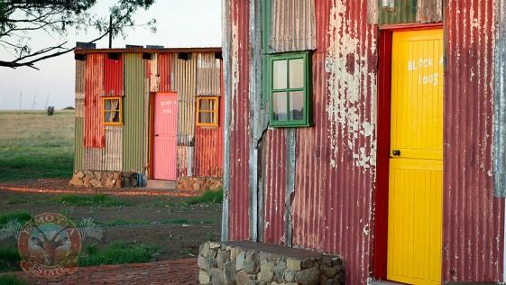 Un hotel de chabolas falsas para turistas que juegan a ser pobres