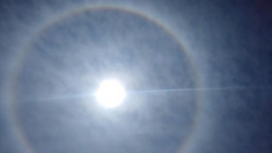 El halo solar que ha brillado en el cielo de Madrid